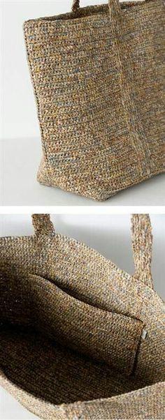 가벼운 느낌의 가방들 생각하시고 계신분들이 많이 계십니다. 화사하고 가볍게 조금은 특별하게 들고다닐만...