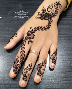 "Booking... ??? wa : 085647959222 (fast respon) bbm : DAE63126 ig : widyahennaa #hennadesign #hennaukir #henna #hennapengantin #hennawedding #whitehenna #hennamarron #hennaforfun #hennafun #hennaforwedding #jasahennapurwokerto #art #purwokerto #purbalingga #banyumas #cilacap #hennapurwokerto #hennapurbalingga #hennabanyumas #hennabanjarnegara #hennacilacap #hennakebumen #instahenna #widyahennaa ""Percantik diri dihari spesialmu"" Henna Pen, Henna Mehndi, Mehendi, Mehndi Design Images, Henna Designs, Mendi Design, Mehndi Style, White Henna, Henna Tattoos"