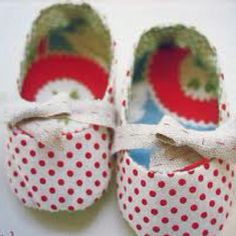 Homemade baby Christmas shoes ♥