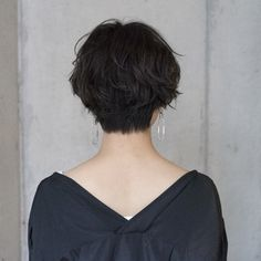 Because women pay more for … – Women's Hair and Model Suggestions Short Hair Tomboy, Asian Short Hair, Girl Short Hair, Short Hair Cuts, Ftm Haircuts, Tomboy Hairstyles, Girls Short Haircuts, Shot Hair Styles, Curly Hair Styles