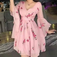 Floral Print Flared Sleeve Pleated Chiffon Dress, Shop plus-sized prom dresses for curvy figures and plus-size party dresses. Ball gowns for prom in plus sizes and short plus-sized prom dresses for Stylish Dresses, Elegant Dresses, Pretty Dresses, Beautiful Dresses, Mode Outfits, Dress Outfits, Fashion Dresses, Dress Up, Fashion Clothes