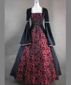http://www.vowstory.nl/3221-8888-large/baljurkstijl-vloerlengte-gotische-trouwjurk-hgt014.jpg