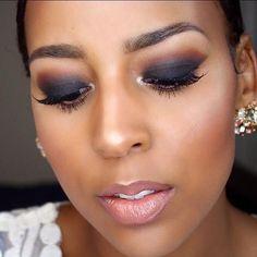 Make-up der schwarzen Frauen h #BlackwomensMakeup Blue Smokey Eye BlackwomensMakeup der Frauen Makeup schwarzen Blue Smokey Eye, Beginner Makeup Kit, Makeup Tutorial For Beginners, Lipstick For Dark Skin, Lipstick Dupes, Nude Lipstick, Smokey Eye Makeup Tutorial, Contour Makeup, Skin Makeup