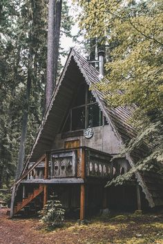 a-frame cabin in the woods A Frame Cabin, A Frame House, Cabin Homes, Log Homes, Ideas Cabaña, Ideas De Cabina, Cabin In The Woods, The Great Escape, The Great Outdoors