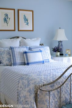 Blue and white decor is one of the most popular spring color combos. This DIY chinoiserie paper craft is an easy affordable way to add some to your home. Blue Rooms, Blue Bedroom, Bedroom Colors, Blue Room Decor, Bedroom Art, Elegant Home Decor, Elegant Homes, Cheap Home Decor, Chinoiserie