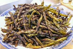 UGLY GREEN BEAN SNACK - WILL be making these soon - using olive oil and ranch dressing packet...oh yum!