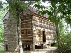 Built in 1808 years before Alabama achieved statehood), the Joel Eddins log home demonstrates wh. Fairbanks House, Fort Laramie, Old Stone Houses, Log Cabin Homes, Log Cabins, Cabins And Cottages, Old Building, Architecture Old, Abandoned Houses
