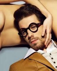 En Modaellos queremos hablaros ahora de las gafas para el hombre d2c1747d4151