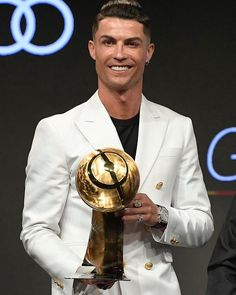 Cristiano Ronaldo makes list of footballers your wife wants to have sex with Cristiano Ronaldo Cr7, Cristino Ronaldo, Cristiano Ronaldo Wallpapers, Ronaldo Football, David Beckham Football, Ronaldo Photos, Lionel Messi Barcelona, Soccer Pro, Fc Chelsea