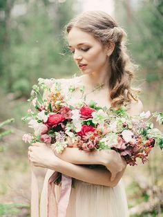 Enchanting forest nymph bridal shoot Florals: Marina Shentyapina | Photography: Dmitry Shentyapin |
