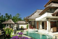 Traditional Exterior Luxury Villa With Swimming Pool And Thatch Roof And Balinese Gazebo Of Viceroy Bali Resort: Luxury Viceroy Bali Resort Combine Comfort and Privacy Bali Resort, Resort Spa, Vacation Destinations, Dream Vacations, Vacation Ideas, Bali Villa, Jardin Luxuriant, Modern Design Pictures, Bali Accommodation