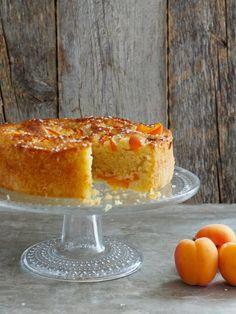 Saftig aprikoskake - Mat På Bordet Apricot Cake, Norwegian Food, White Bread, Recipes From Heaven, Tea Cakes, Sweet Desserts, Let Them Eat Cake, Baked Goods, Goodies
