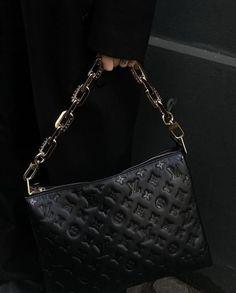 Louis Vuitton New Bags, Louis Vuitton Collection, Vintage Louis Vuitton, Louis Vuitton Handbags Black, Lv Handbags, Cute Bags, Luxury Bags, Luxury Purses, Nike