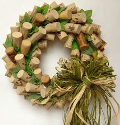 Corks, silk leaves, colored raffia