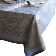 Garnier-Thiebaut Luxuriance Alouette Tablecloth