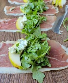 She Eats - Deliciously Simple Prosciutto Arugula Salad Rolls. A tasty and easy appetizer or side at your next Spring BBQ or dinner party. Clean Eating Snacks, Healthy Snacks, Healthy Eating, Healthy Recipes, Dinner Healthy, Appetizers For Party, Appetizer Recipes, Gourmet Appetizers, Elegant Appetizers