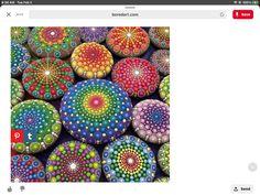 Mandala Painted Rocks, Easter Eggs, Rock Painting, Crafts, Craft Ideas, Manualidades, Stone Painting, Handmade Crafts, Craft