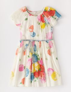 Floaty Party Dress: reminds me of a fun party
