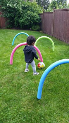 Kids Health Have some fun outdoors this summer by making this super easy and cheap obstacle course using pool noodles from the dollar store and bbq skewers. Great for children who are learning to crawl or for older kids to practice ball skills. Kids Outdoor Play, Backyard Play, Backyard Games, Backyard Ideas, Kid Outdoor Games, Outdoor Toys For Toddlers, Indoor Games, Outside Activities, Summer Activities