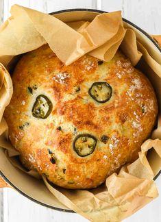 Cheddar Bread Recipe, Jalapeno Cheese Bread, Jalapeno Cheddar, Savory Bread Recipe, Dutch Oven Bread, Dutch Oven Recipes, Cooking Recipes, Artisan Bread Recipes, Cooking Bread