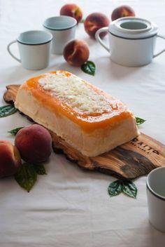 La asaltante de dulces: Receta de tarta helada de melocotón y chocolate blanco/ No bake peach & white chocolate cake