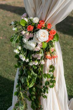 Flowers: Natural Pina // Photography: Ana & Jerome