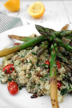 Delicious Shots: Quinoa Salad with Pan Roasted Asparagus