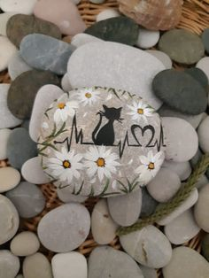 Pebble Painting, Pebble Art, Stone Painting, Dot Painting, Acrylic Painting For Beginners, Rock Painting Ideas Easy, Rock Painting Designs, Painted Rocks Craft, Hand Painted Rocks
