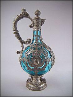 Antique Glassware, Antique Perfume Bottles, Vintage Bottles, Perfumes Vintage, Bottles And Jars, Bottle Design, Vases, Antique Silver, Art Nouveau