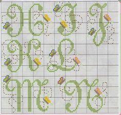 Bordado Passo a Passo: Monograma com borboletas