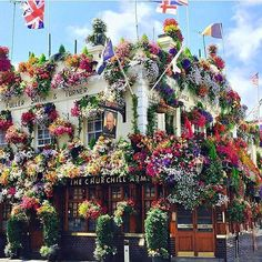'The Churchill Arms' Notting hill ~ London