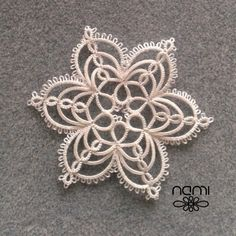 More than 50 Newest Models of Shuttle Lace 2017 - Tatting Ideen 2019 Filet Crochet, Irish Crochet, Crochet Lace, Tatting Earrings, Tatting Jewelry, Tatting Lace, Crochet Christmas Ornaments, Crochet Snowflakes, Snowflake Pattern