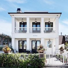 •There's nothing more welcoming and classic than a plantation style home• #brandonarchitects