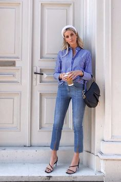Button down shirt with cropped jeans, strappy sandals and Dior bag Fashion Mode, High End Fashion, Look Fashion, Fashion Outfits, Fashion Trends, Fashion Inspiration, Best Travel Clothes, Travel Clothes Women, Estilo Casual Chic