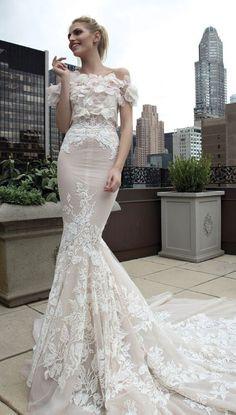 Wedding Dress: Inbal Dror