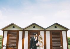 Love is in the air! #groom #bride #boho #flowercrown | @AliceCoppola Photographer