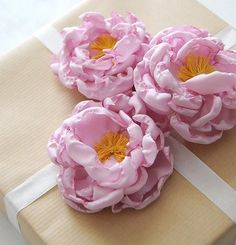 Fabric flowers in organza, master class