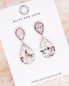Simple teardrop earrings. Swarovski crystal. Cubic Zirconia earrings. Bridal earrings. Wedding earrings. Bridesmaid earrings. Bridal shower gifts. Wedding jewerly. www.glitzandlove.com See more here: https://www.glitzandlove.com/collections/earrings/products/bridal-gold-earrings-bridesmaid-teardrop-earrings-cubic-zirconia-bridesmaid-jewelry-gifts-necklace-gifts-for-her-wedding-n00063g