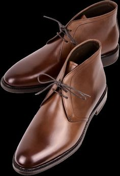 Spanish Meermin offers a chukka boot for those sunny fall days. And as usual, they do that with a reasonable price tag. Pair these with darker denim, a navy blue crew neck sweater and a field jacket – what you get is a 5/5 fall look.