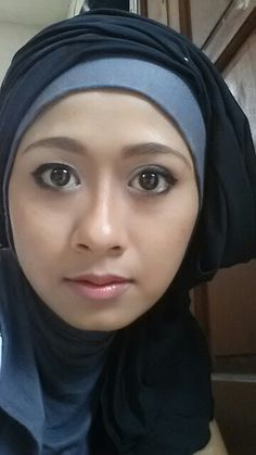 Soft smoke eyes and nude lipstic....love it verry much...make up by oriflame