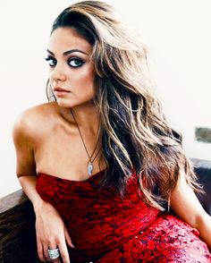 Mila Kunis, gorgeous