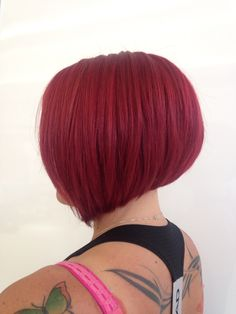 Red bob Red Bob, Inverted Bob, Hair Cuts, Long Hair Styles, Bobs, Beauty, Stacked Inverted Bob, Beleza, Haircuts