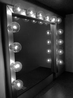 #make-up #mirror #fashion #changeroom #lights #famous #celebrity #dressingroom