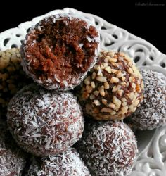 Rum Balls, Christmas Cookies, Sweet Treats, Vegan Recipes, Muffin, Food And Drink, Trufle, Chocolate, Cooking