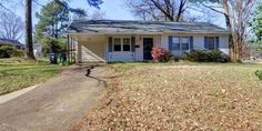 Super Cute, Renovated 3BR Home in Sought After Colonial Acres ~ Beautiful Hardwood Floors Throughout ~ Large Living Room