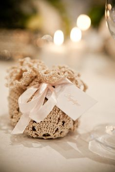 Favours wrapped in doilies - so cool