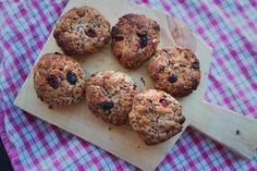 happyfoodstories: Grove scones m. kokos, banan & tranebær