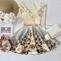 Vestido NEOPRENE C/ Bojo Princesa Danila ( Estampa Flores Luvre)
