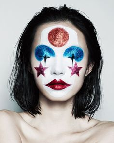 MA-GNI-FI-QUE ! maquillage à étoiles brillantes et cercles