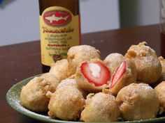 Deepfried Cheesecake Strawberries